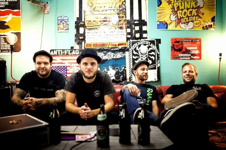 Der Song zum Magazin – NOT TOO OLD (The Special Bombs)