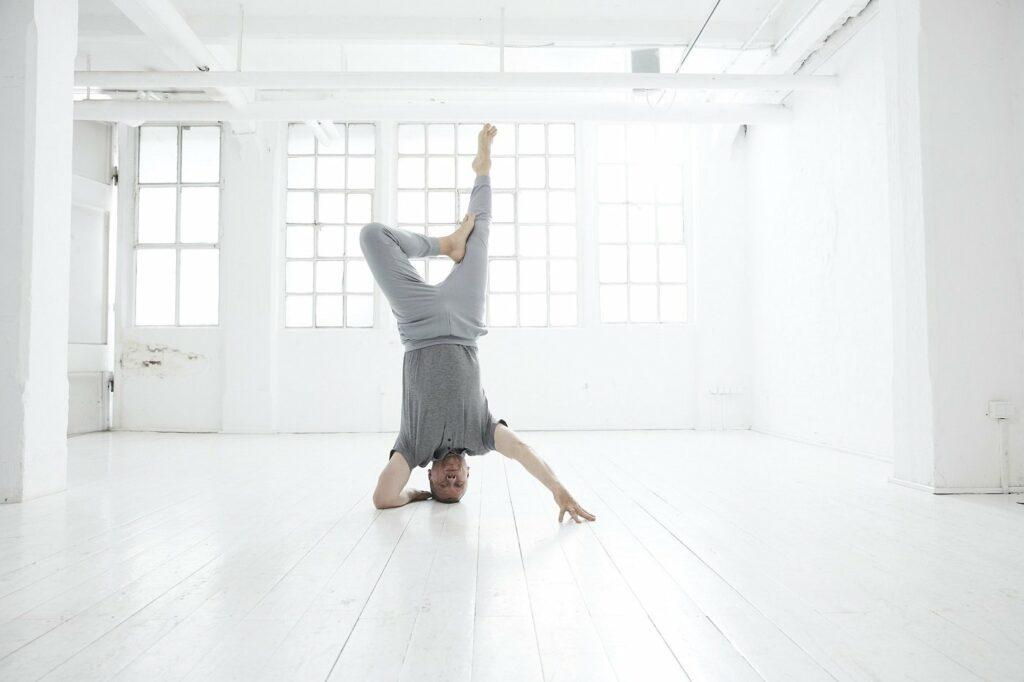 Dirk Bennewitz Auto und Yoga Lehrer