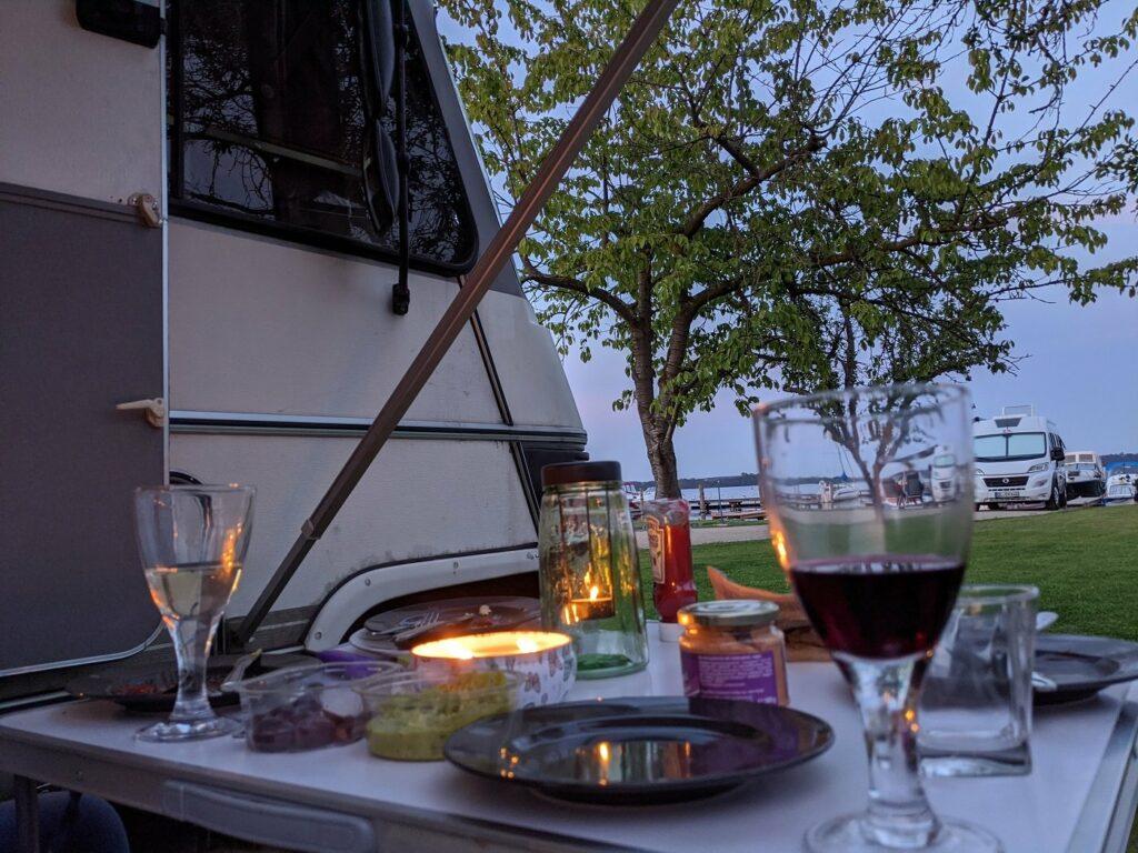 Camping Romantik Abendessen