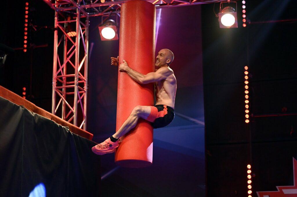 Ninja Warrior Markus Malle beim Tunnelsprung