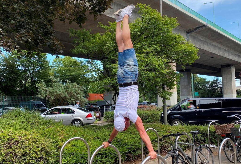Markus Malle Handstand