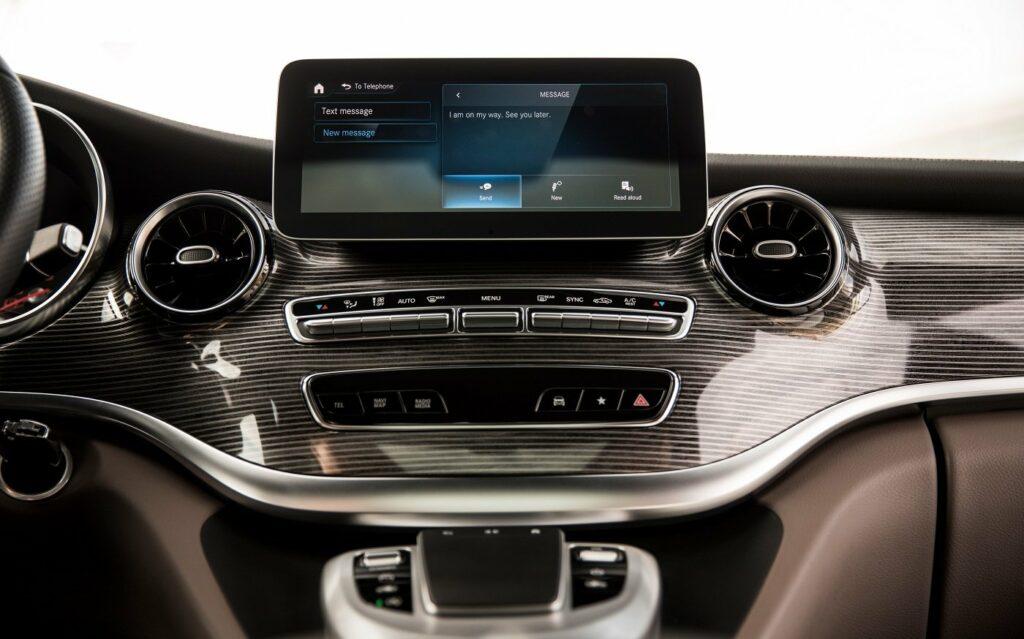 Mercedes-Benz Vans - die V-Klasse mit einem edlen Design im Innenraum