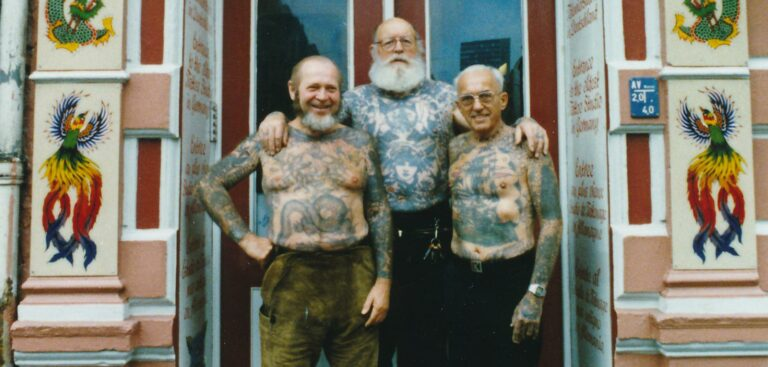"Filmtipp: ""Flammend' Herz"" – Doku über drei Tattoo-Legenden"