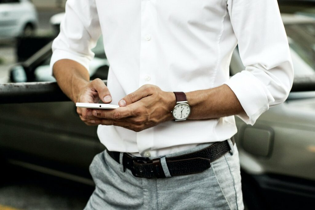 Digital Detox sorgt für einen kontrolierten Umgang mit dem Smartphone.