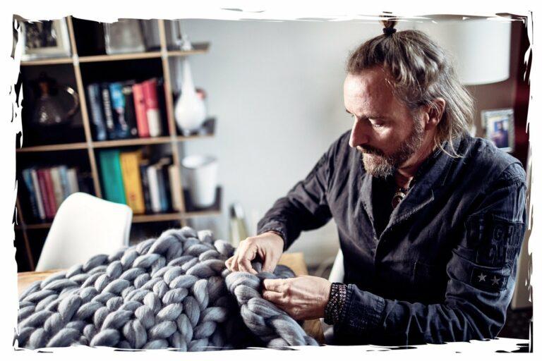 Meister der Maschen – Ulf von der Wollà StrickManufaktur