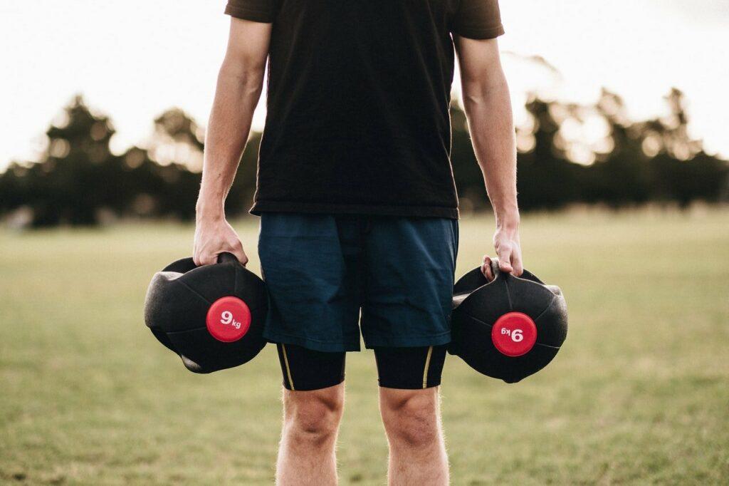 Bei guten Wetter bietet sich das Workout für die Fitness auch draussen an