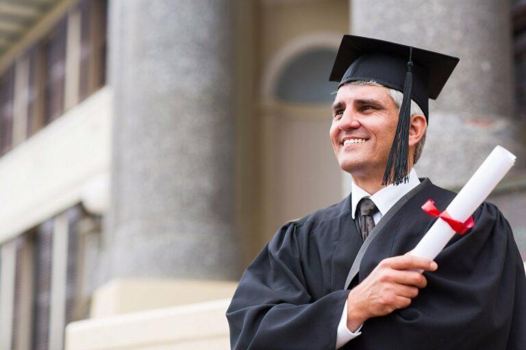 Studieren im Alter – hilfreiche Tipps für Studenten über 50