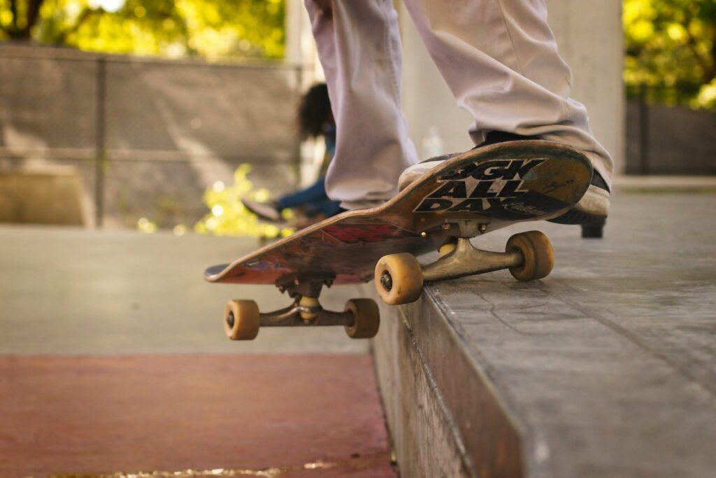 Skateboarding ist wie Fahrrad fahren - man verlernt es nie, tut sich aber häufiger weh