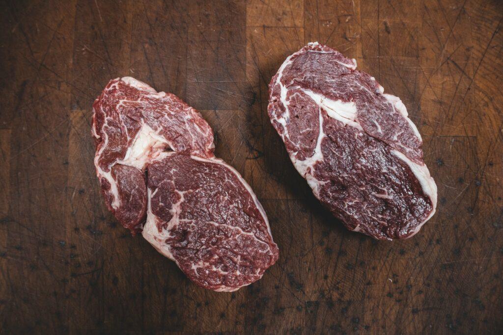 An Clean Meat wird weltweit viel geforscht. Wann essen wir ein Rib Eye Steak aus dem Labor?