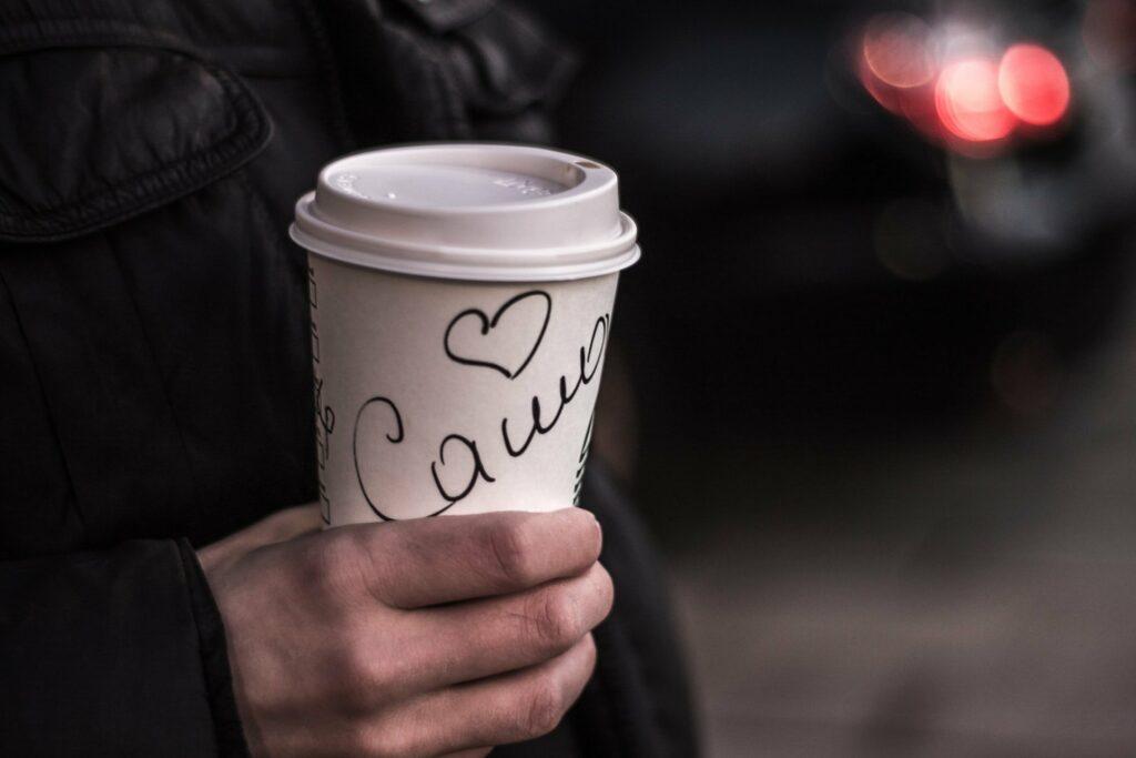 Duzen und Siezen - bei Starbucks keine Frage