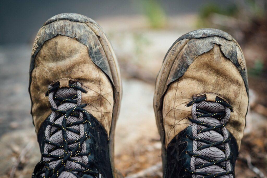 Eingelaufene Schuhe verhindern Blasen beim Wandern